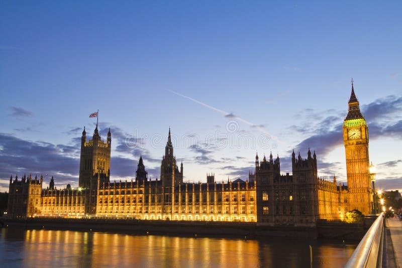 Big Ben och parlament, London, England på natten arkivfoton