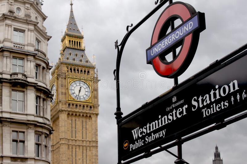 Big Ben Structure Near White Concrete Structure royalty free stock photo