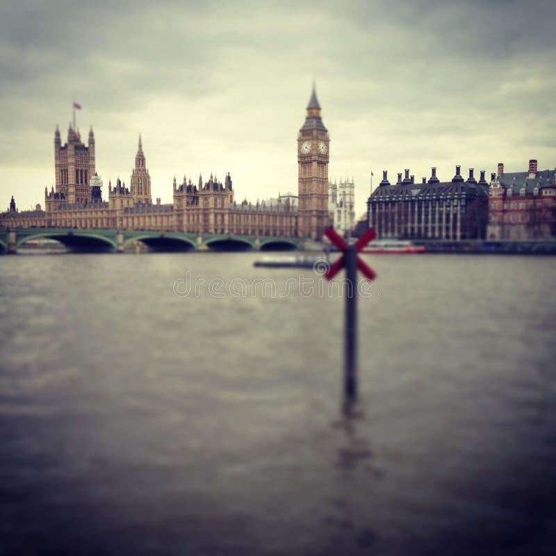 Big Ben u. die Themse lizenzfreies stockfoto