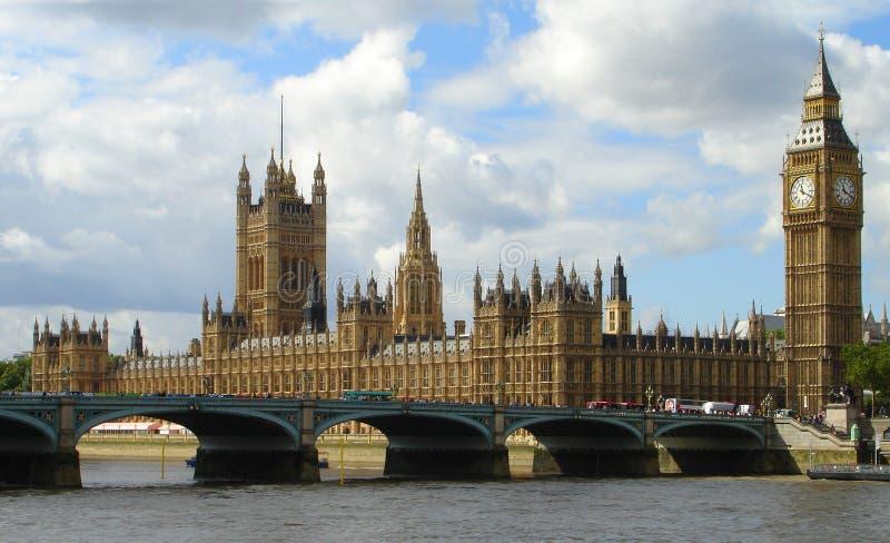 Big Ben und Parlament in London stockbilder