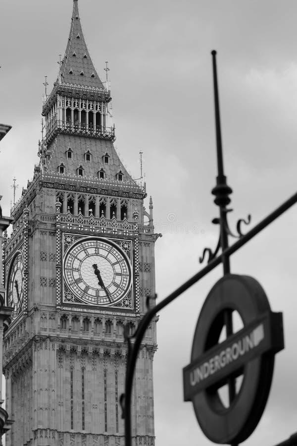 Big Ben Westminister wierza i metro znak, obrazy royalty free