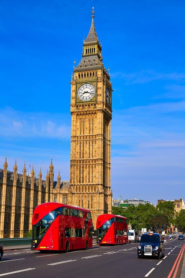 Big Ben Zegarowy wierza i Londyński autobus obrazy royalty free