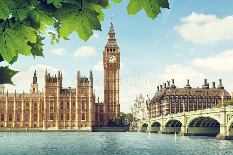 Big Ben in zonnige dag, Londen stock afbeeldingen