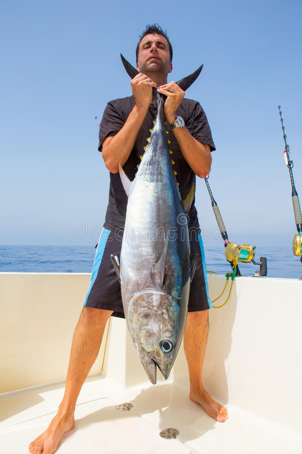 Download Big Bluefin Tuna Catch By Fisherman Stock Photo - Image: 27234544