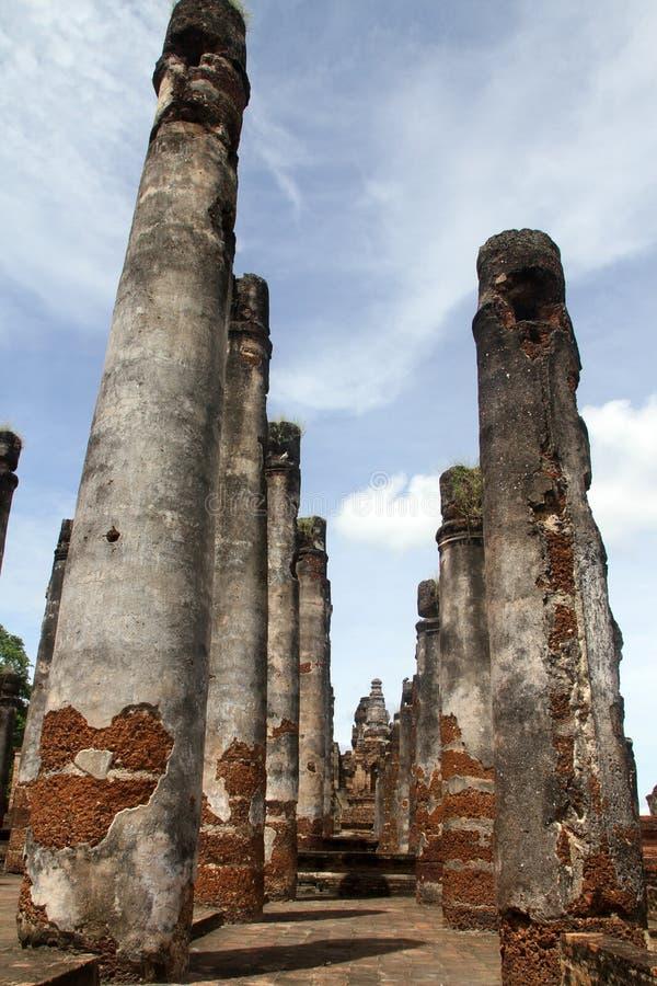 Free Big Brick Columns Royalty Free Stock Image - 22451926