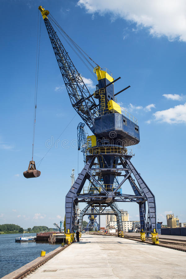 Download Big Crane In The City River Port Stock Image - Image: 31537585
