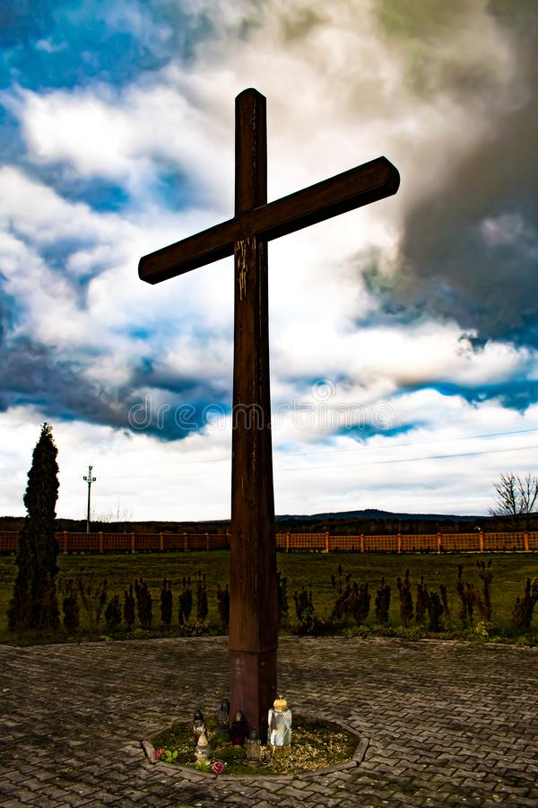 Big cross, standing on cemetery. royalty free stock photos