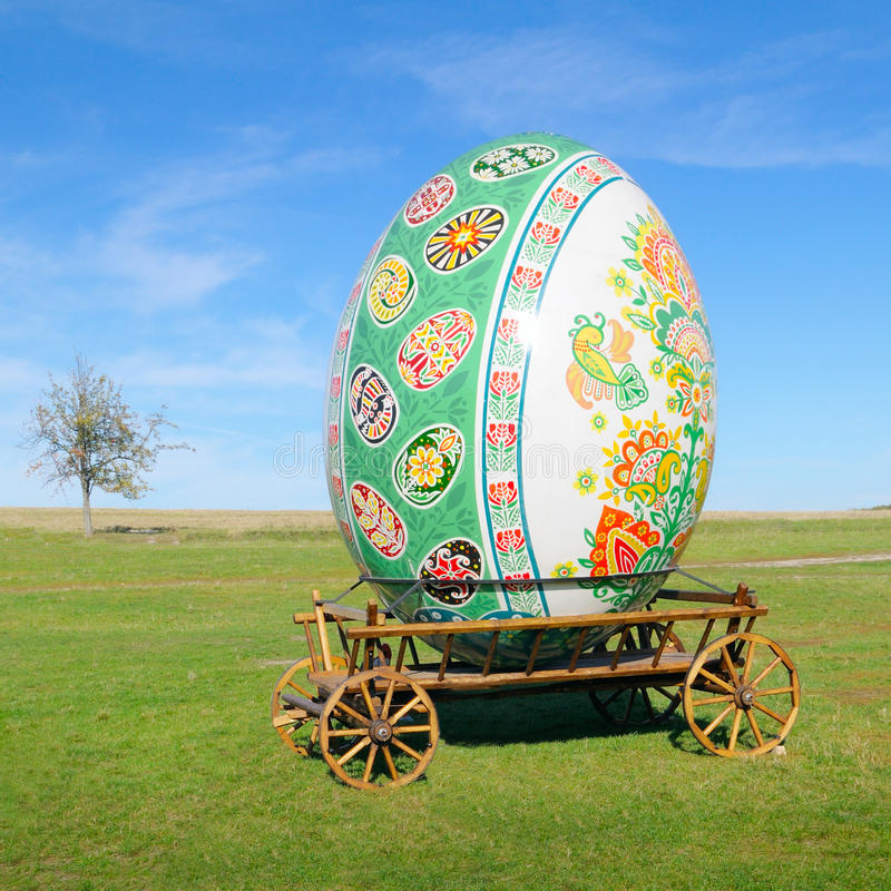Download Big easter egg stock illustration. Illustration of dray - 39653002