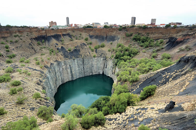 Big Hole, Kimberley. The Big Hole, Kimberley, South Africa, a diamond mine dug entirely by hand. Operations at the mine ceased in 1914 stock image