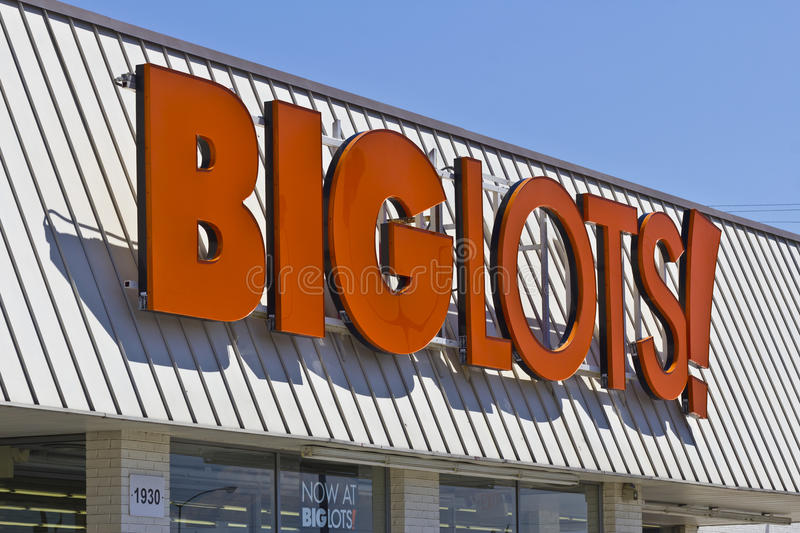 Big Lots Retail Discount Location II. Indianapolis - Circa June 2016: Big Lots Retail Discount Location. Big Lots is a Discount Chain Selling Food, Furniture and royalty free stock photography