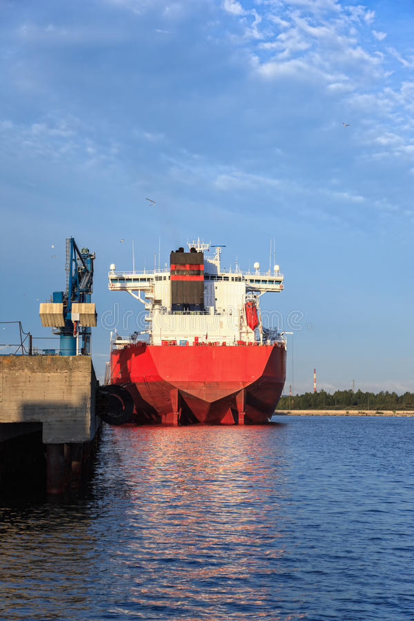 Download Big Ship In The Morning Stock Photo - Image: 25829630