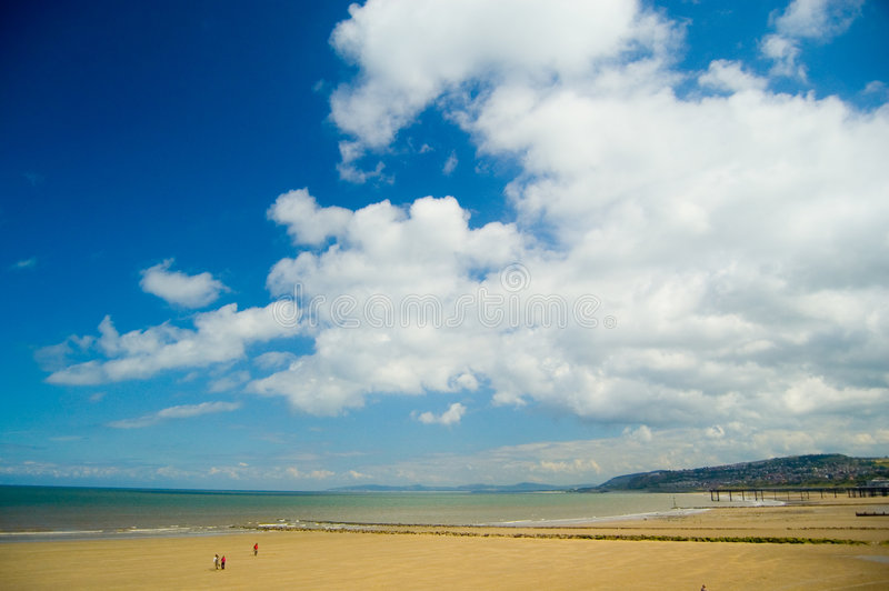 Download Big Sky And The Landscape Royalty Free Stock Images - Image: 5711329