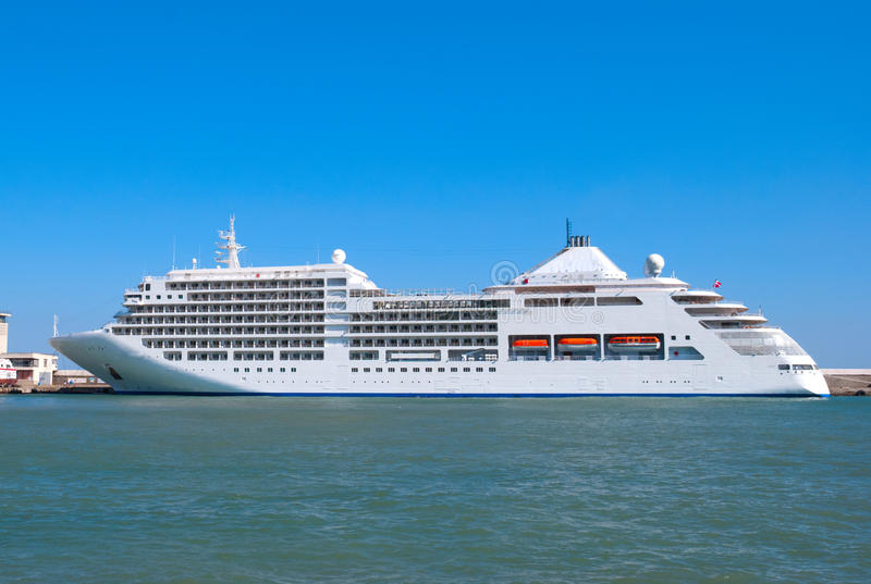 Download The Big Tourist Liner Stock Photo - Image: 19958290