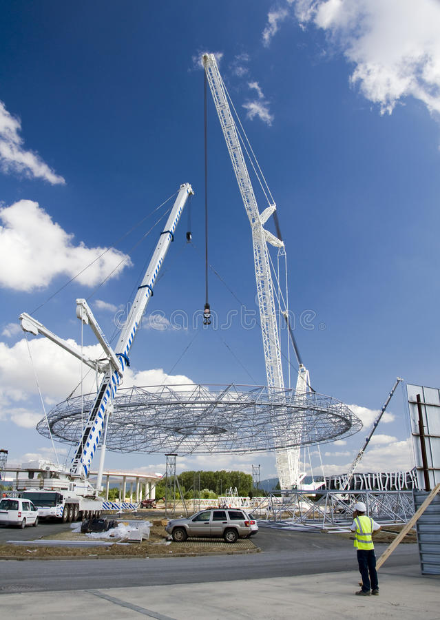 Download Big white crane editorial image. Image of build, element - 20405520