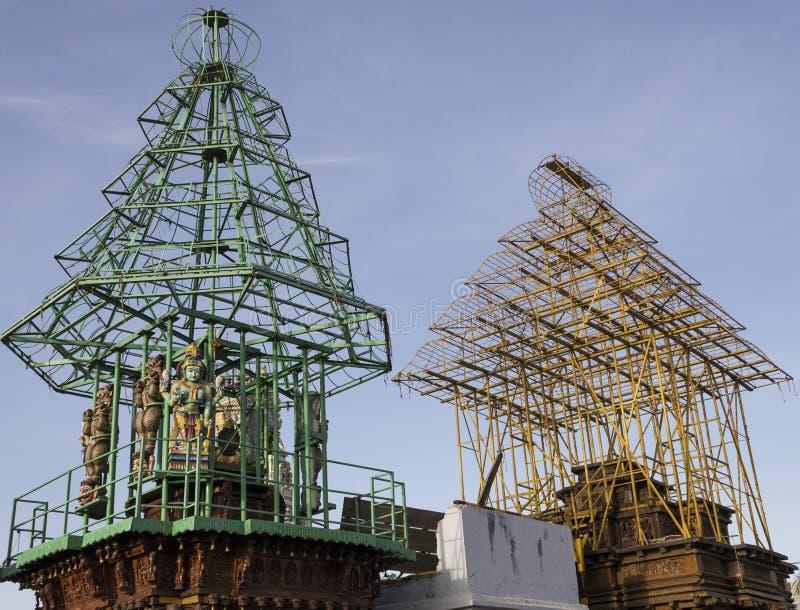 Biga di legno e d'acciaio per il trasporto del Dio durante i tempi di festival nel tempio famoso di Perur Patteeswarar a Coimbato fotografie stock libere da diritti