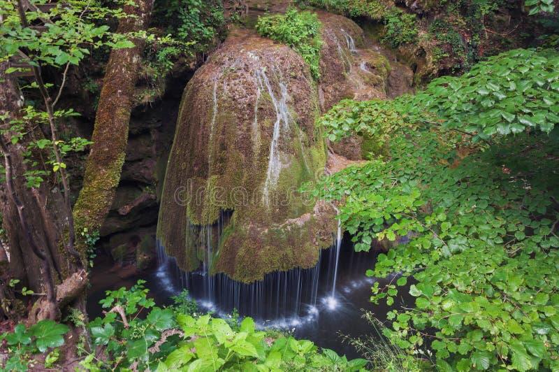 Bigar vattenfall, i Caras - Severin, Rumänien royaltyfria foton