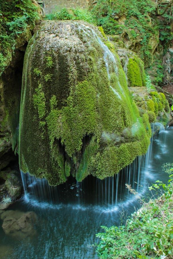 Bigar vattenfall, Rumänien royaltyfri foto