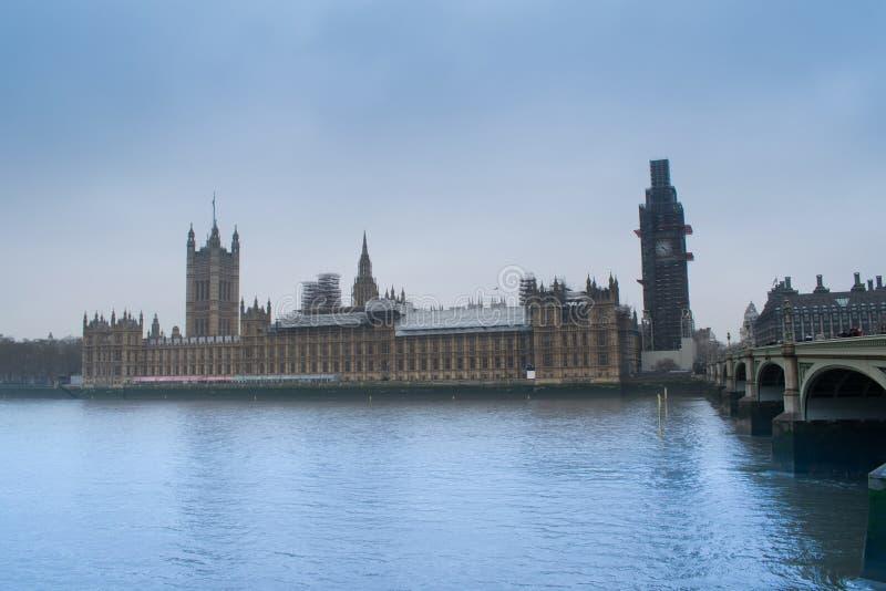 BigBen u. Parlamentsgebäude stockbild