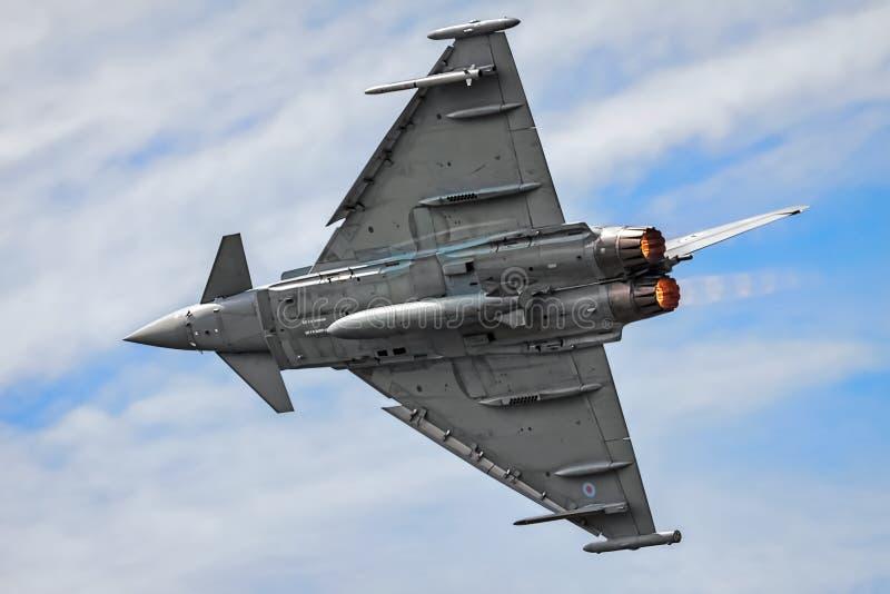 BIGGIN-KULLE, KENT/UK - JUNI 28: Eurofighter Typhoon antenndisp royaltyfria foton