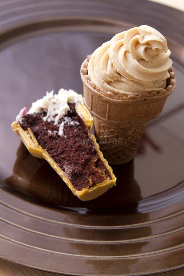 Bigné del cono di gelato immagini stock libere da diritti