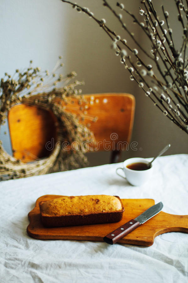 Bigné per la prima colazione Designazione rustica di buio Con il retro filtro e fotografie stock