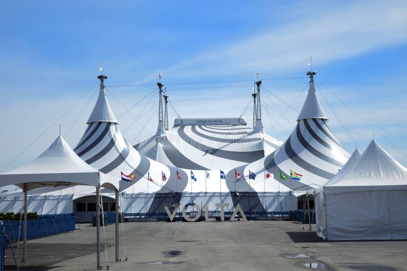 Vitt tält redaktionell arkivbild. Bild av canopy, kanfas