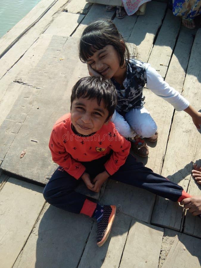 Bij bogibillbrug op boot die de brug verbonden arunachal en lakhimpur met dibrugarh is assam India stock foto's