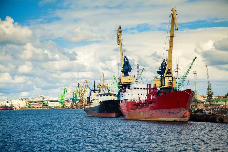 Bij de haven van Klaipeda stock foto