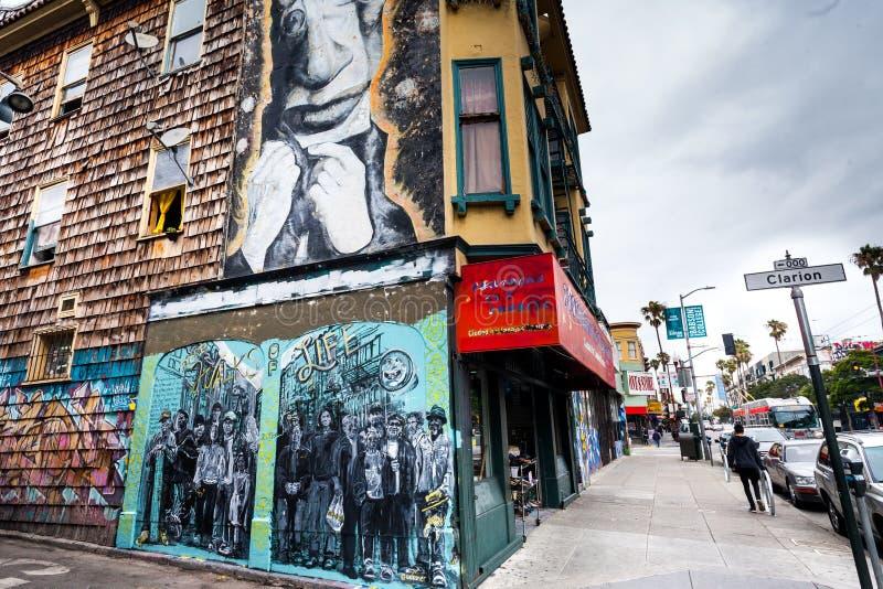 Bij de hoek van Klaroenstraat in Opdrachtdistrict, San Francisco, Californië royalty-vrije stock afbeelding