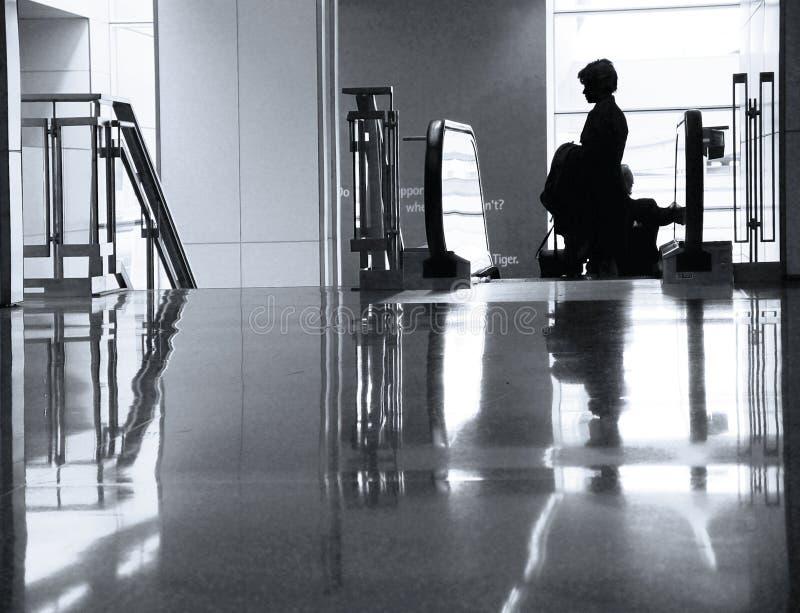 Bij de luchthaven
