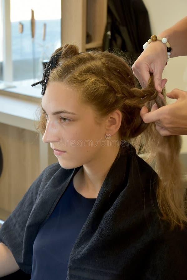 Bij hairdersser stock foto's