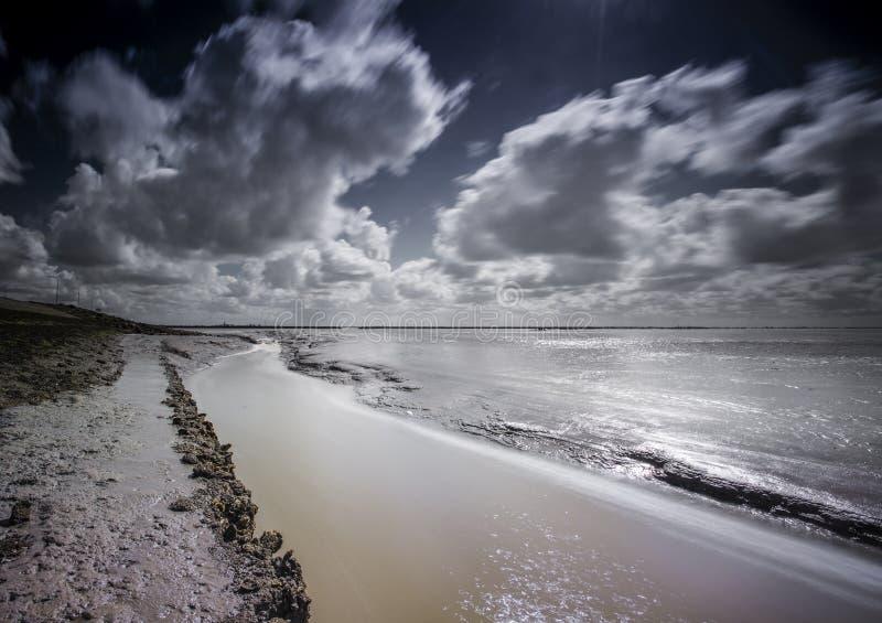 Bij Paesens/Moddergat de Wadddengebied, Tidalflats em Paesens/Modde fotos de stock royalty free