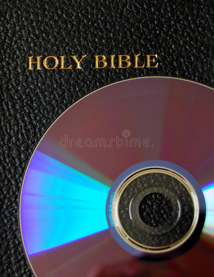 Bijbel op CD/DVD royalty-vrije stock foto