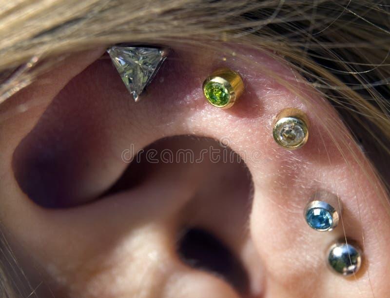Download Bijou photo stock. Image du gemstone, bijou, earring, trou - 725856