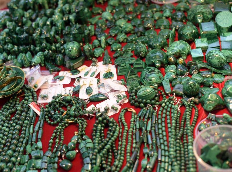 Bijoux faits de malachite photos stock