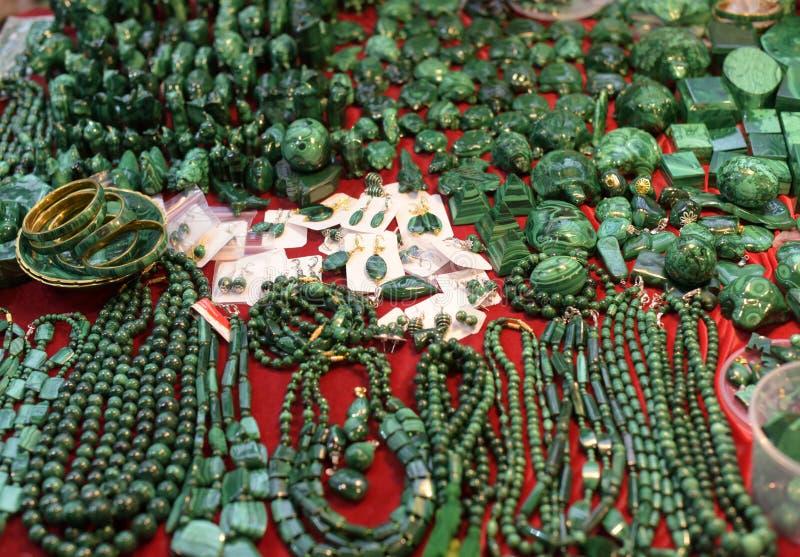 Bijoux faits de malachite photos libres de droits