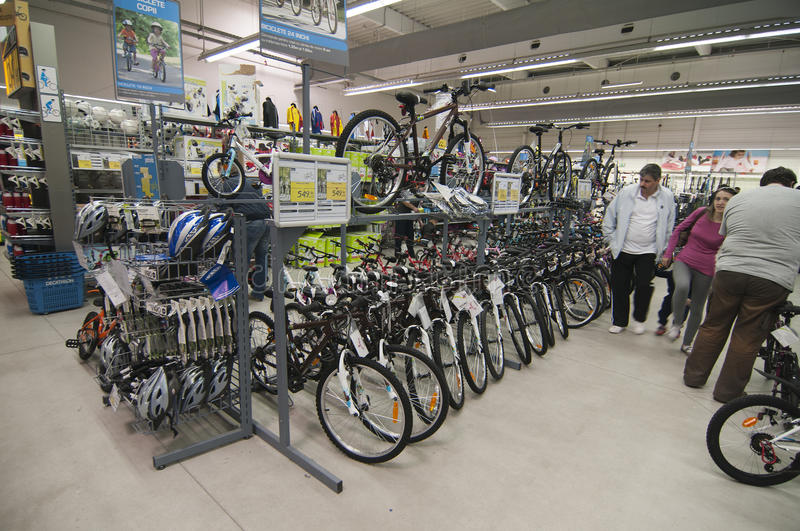 Download Bike Area In Decathlon Store Editorial Photo - Image: 24014321