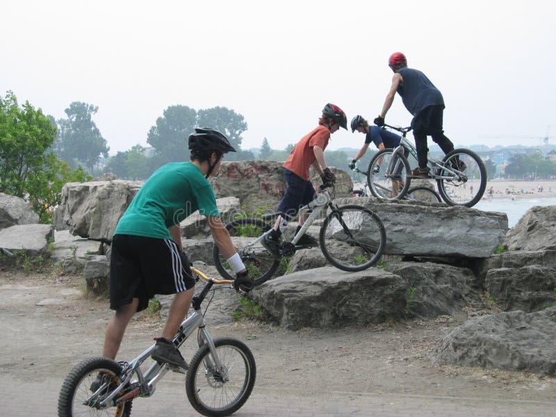 Biking ακροβατική επίδειξη Στοκ φωτογραφίες με δικαίωμα ελεύθερης χρήσης