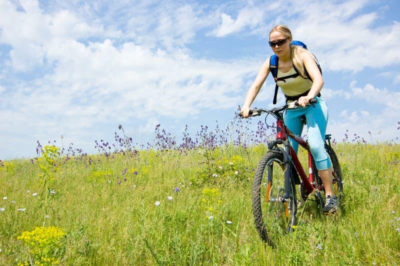 Biking da menina imagem de stock royalty free