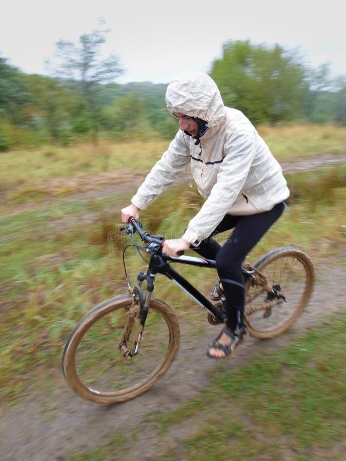 Biking della montagna fotografia stock libera da diritti