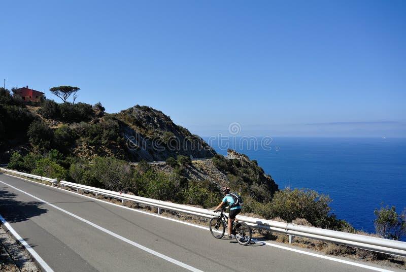 Biking en Elba Island, Toscana, Italia imagen de archivo