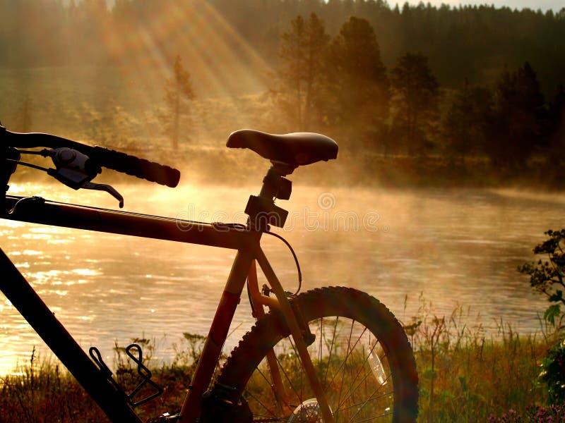 Biking nel paradiso fotografia stock
