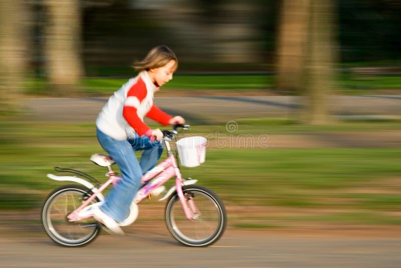 Biking velocemente fotografia stock libera da diritti