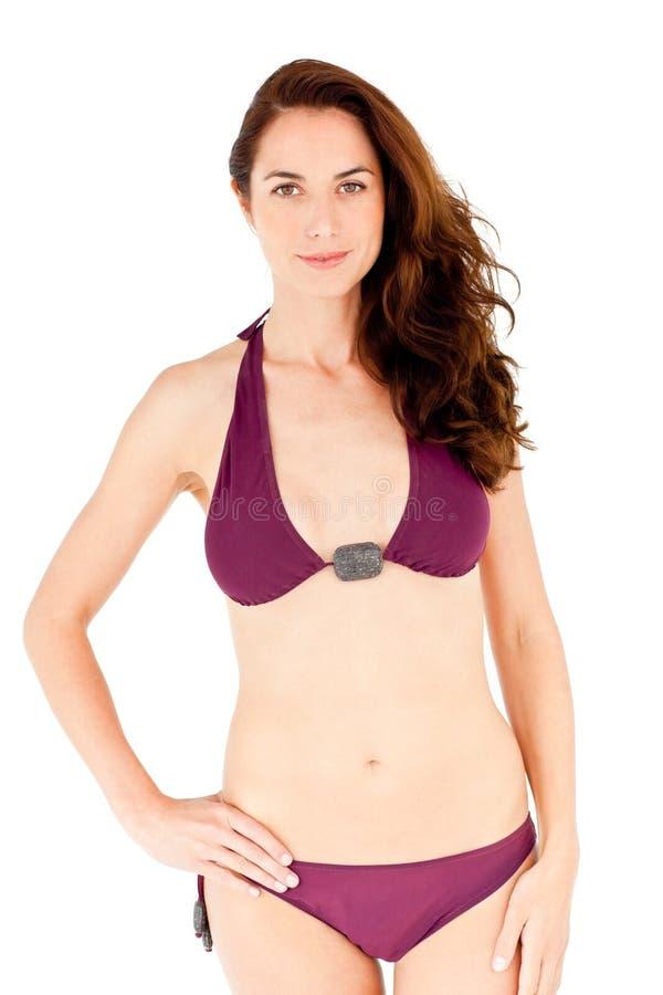Bikini da portare della donna ispanica sveglia fotografia stock