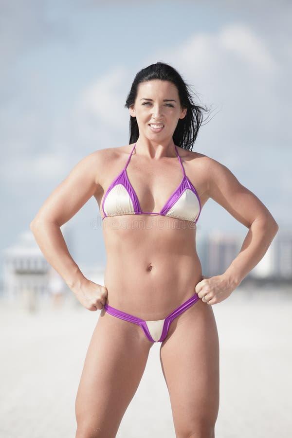 bikinikvinna royaltyfri fotografi
