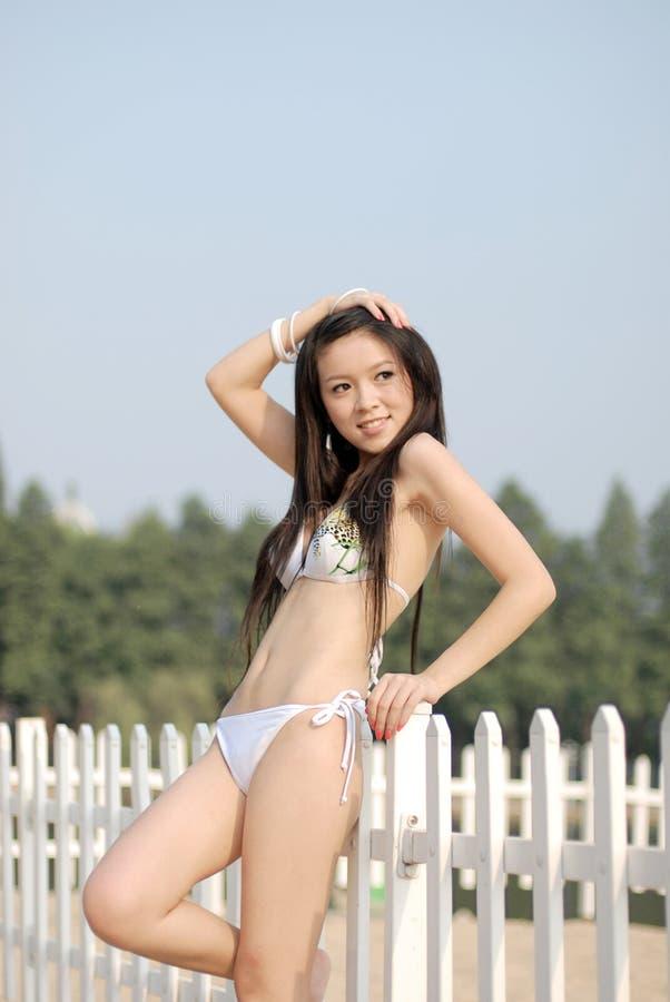 Bikinimädchen lizenzfreie stockfotos