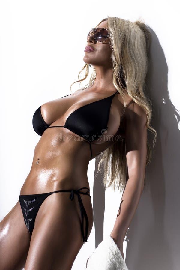 bikinimodemodell fotografering för bildbyråer