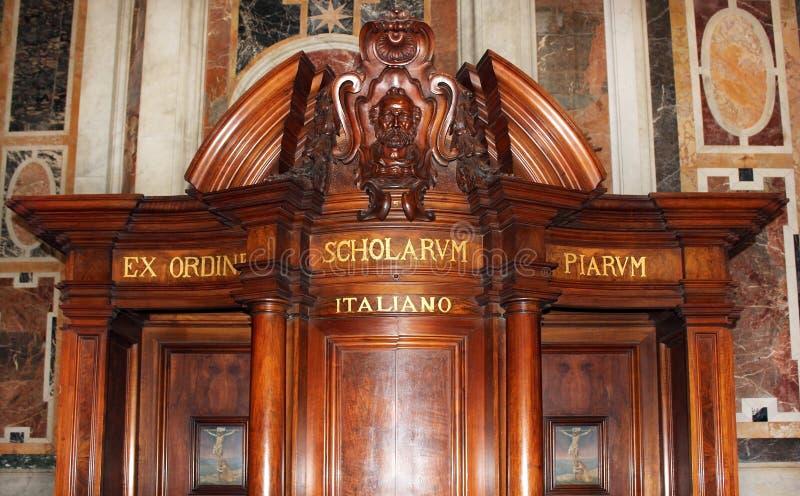 Biktstol i Sts Peter Basilica, Vatican City royaltyfria foton