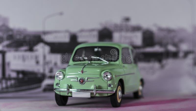 Bil av 60-talspanjoren först som är utilitaristisk av spanjoren av medelklassen royaltyfria foton