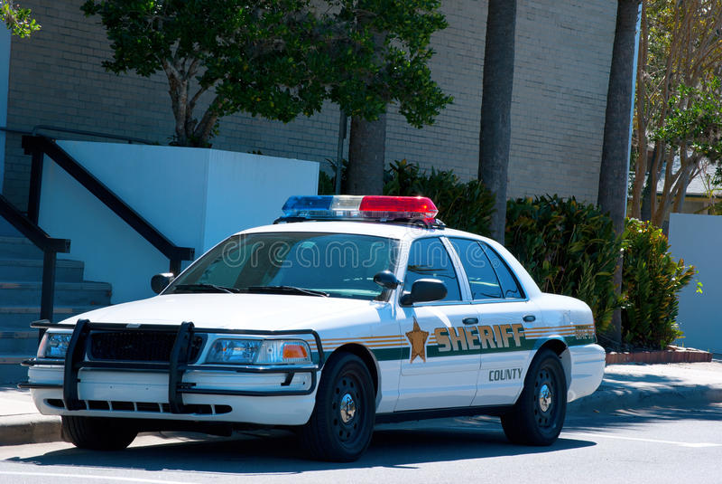 Bil för sheriffkryssarepolis royaltyfri bild